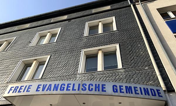 Freie evangelische Gemeinde Wuppertal Barmen - Haupteingang Vordach