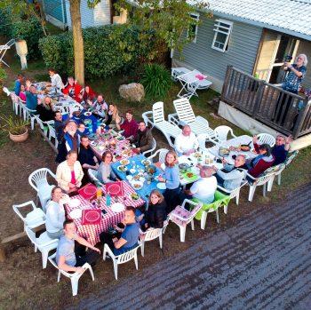 Freie evangelische Gemeinde Wuppertal Barmen - Urlaub Südfrankreich Gemeinsames Abendessen