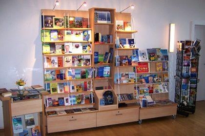 Freie evangelische Gemeinde Wuppertal Barmen - Büchertisch